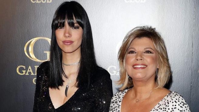 Alejandra Rubio y su madre, Terelu Campos, en la fiesta de 18 cumpleaños de la joven.