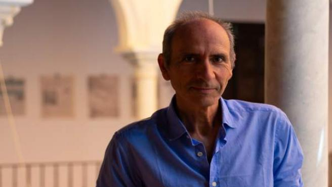 El pediatra Carlos Casabona, en los Cursos de Verano de la UPO