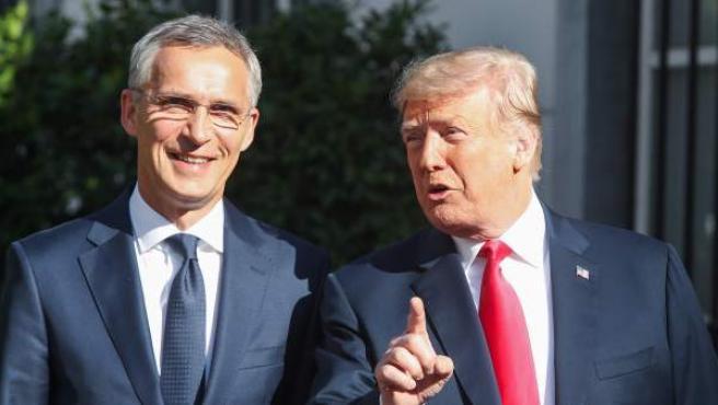 Trump, con el presidente de la OTAN en Bruselas.