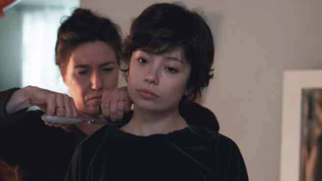 Anna Castillo y Lola Dueñas en 'Viaje al cuarto de una madre'.
