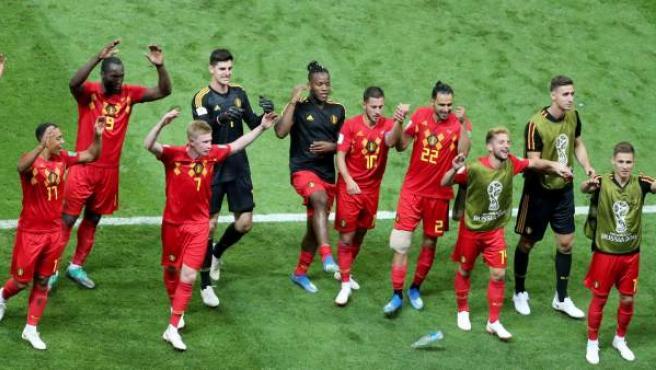 Jugadores de la selección de Bélgica celebran su victoria ante Brasil en cuartos de final del Mundial de Rusia 2018.