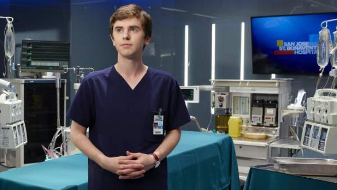 Una imagen del actor Freddie Highmore en la serie 'The Good Doctor'.