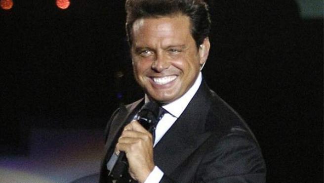 Luis Miguel, durante un concierto.