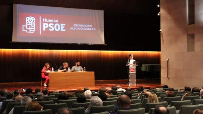 Luis Felipe interviene ante el Comité Provincial del PSOE del Alto Aragón