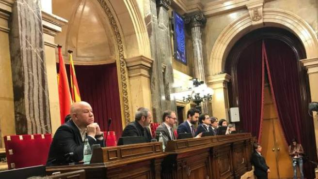 Roger Torrent preside el pleno del Parlament