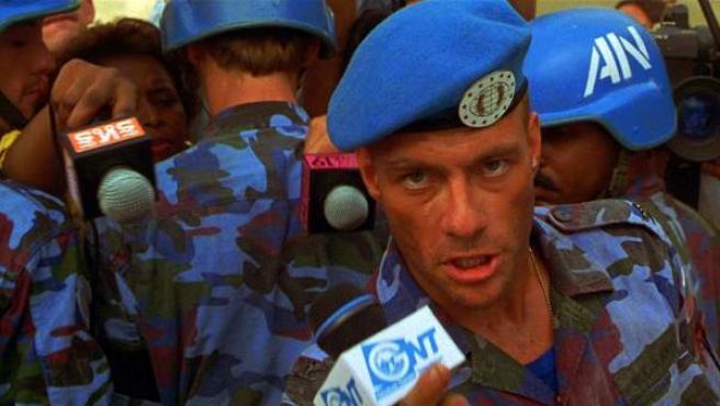 Jean-Claude Van Damme como Guile en la película de 'Street Fighter'.