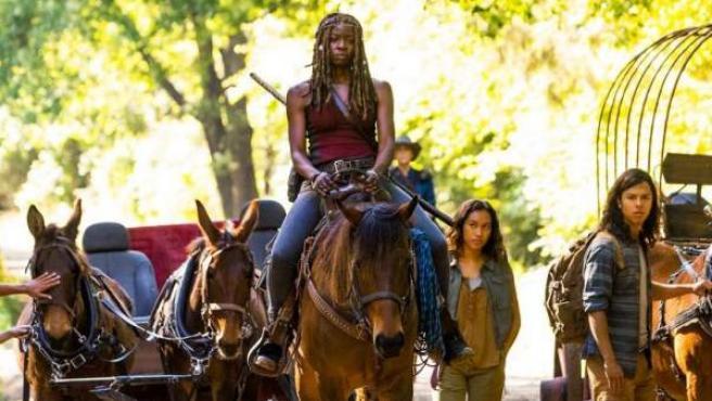 Michonne a caballo en una de las primeras imágenes de las novena temporada de 'The Walking Dead'.