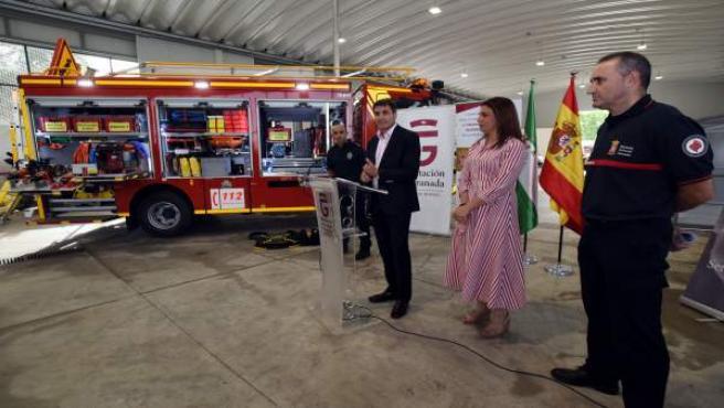 Entrega de un nuevo vehículo en el Parque de Bomberos Norte de Granada