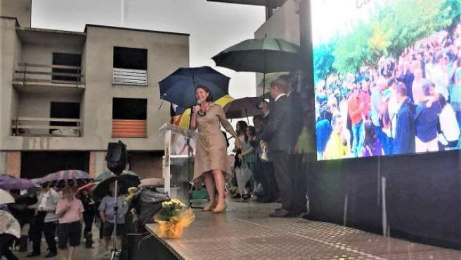 M.Madrenas al inaugurarse la plaza del 1-O en Caldes de Malavella (Girona)