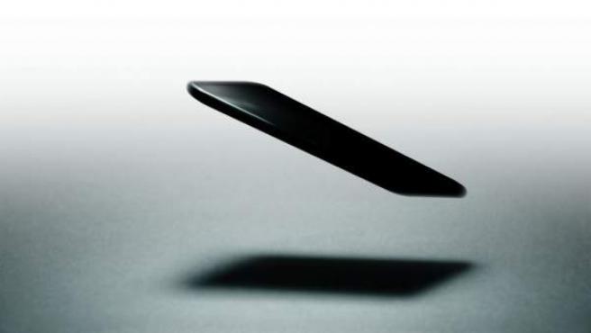 Imagen de archivo de la caída de un teléfono móvil.