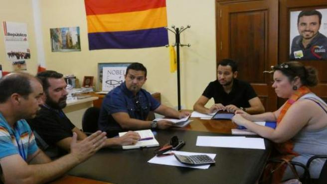 IU pide que se atiendan las 'demandas' de opositores a Tussam