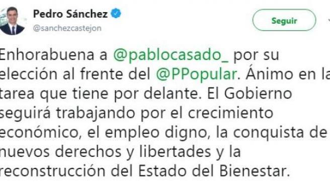 Sánchez felicita a Casado.