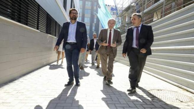 Enrtega de VPO en Málaga con Francisco de la Torre