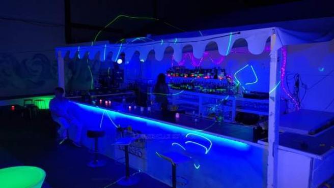 Clausura de la terraza de verano de una discoteca de Sevilla