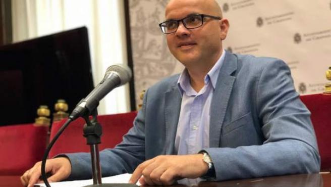 Raúl Fernández en rueda de prensa