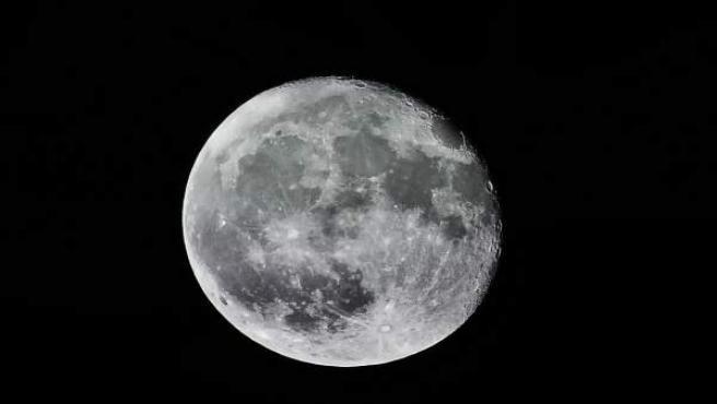 Los ciudadanos podrán disfrutar del eclipse lunar desde el Planetario de Aragón