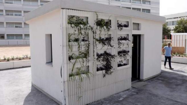 Imagen de la primera casa construida in situ con una impresora 3D en España, una vivienda de 24 metros cuadrados.