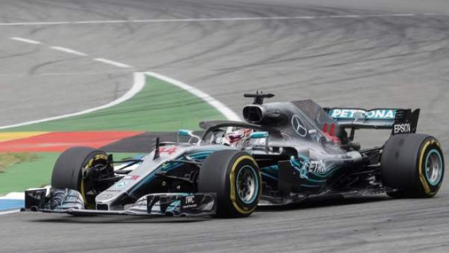 Lewis Hamilton, al volante de su Mercedes en el GP de Alemania.