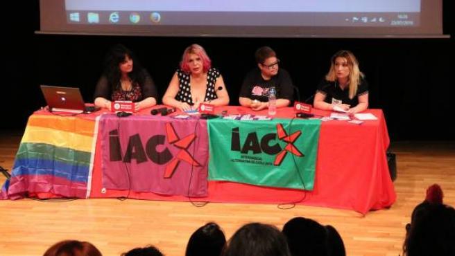 Presentación de la sección sindical de trabajadoras sexuales de la IAC con la coordinadora de la Federació d'Altres Activitats, Mireia Herrero, y los miembros Paula Ezkerra, Janet y Lucía.