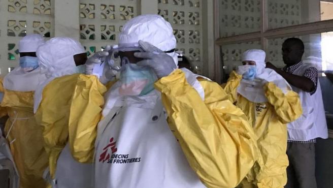 Equipos de Médicos Sin Fronteras para combatir el ébola en la República Democrática del Congo, en una imagen de archivo.