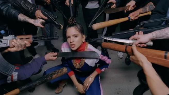 Captura del videoclip de 'Pienso en tu mirá', segundo adelanto de 'El mal querer', el segundo álbum de estudio de Rosalía.