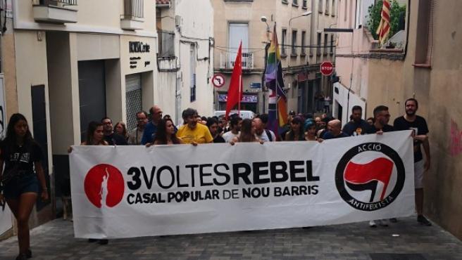 Imagén vía Twitter del grupo antifascista en la manifestación de este martes.