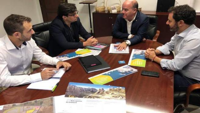 Manuel Barón se reúne para hablar de logística