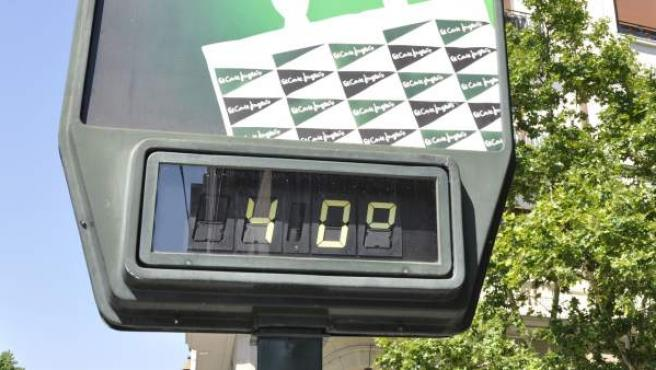 Un termómetro marca 40 grados.