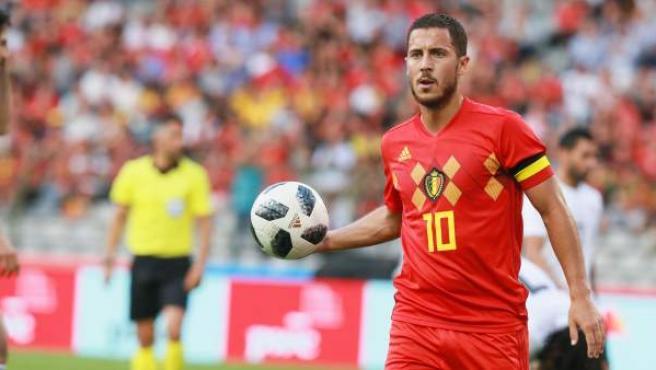 El jugador Eden Hazard de Bélgica en acción.