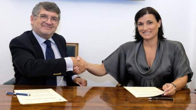 Firma del nuevo convenio entre el Ayuntamiento y el Colegio de Abogados