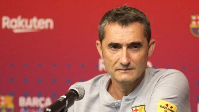 Ernesto Valverde, entrenador del Barcelona, durante una rueda de prensa.