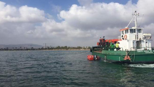 Imagen de los ensayos geotécnicos en la zona sur del Mar Menor
