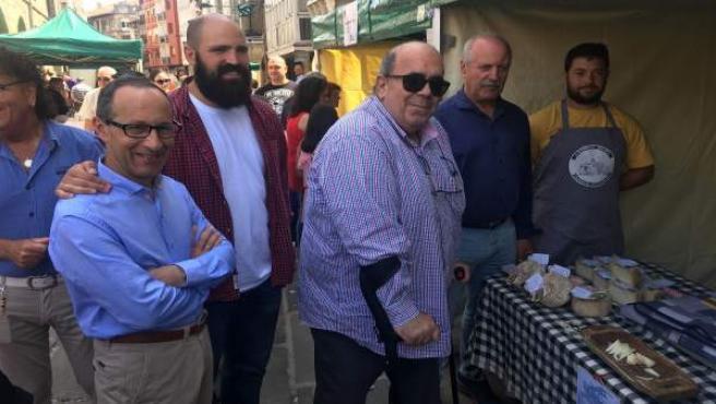 Oria visita el Mercado Campurriano de Reinosa