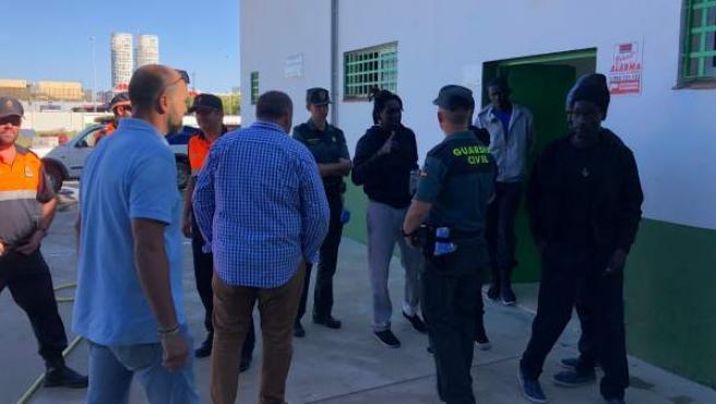 Un pabellón de Los Barrios (Cádiz) acoge a inmigrantes llegados en patera.