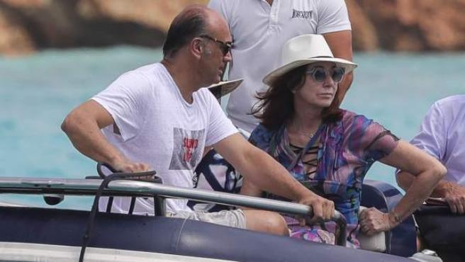 Ana Rosa Quintana y su marido Juan Muñoz, de vacaciones en julio de 2018