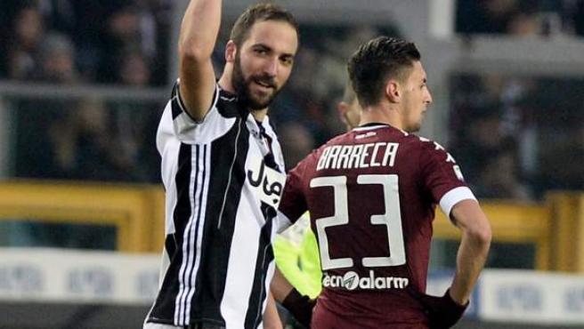 Gonzalo Higuaín celebra un gol en el partido entre Juventus y Torino.