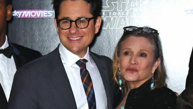 'Star Wars: Episodio IX' - J. J. Abrams comienza el rodaje con un recuerdo a Carrie Fisher (y a Rian Johnson)