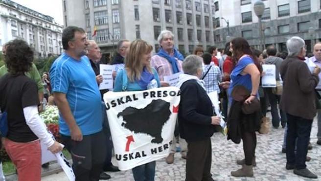 Protesta a favor del acercamiento de presos etarras.