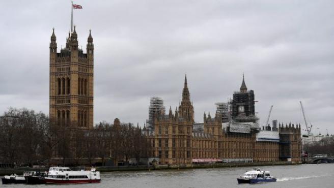 Vista del Palacio de Westminster, la sede del Parlamento del país en Londres (Reino Unido).