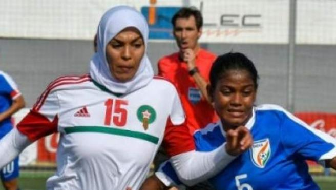 Meriem Bouhid, durante un partido