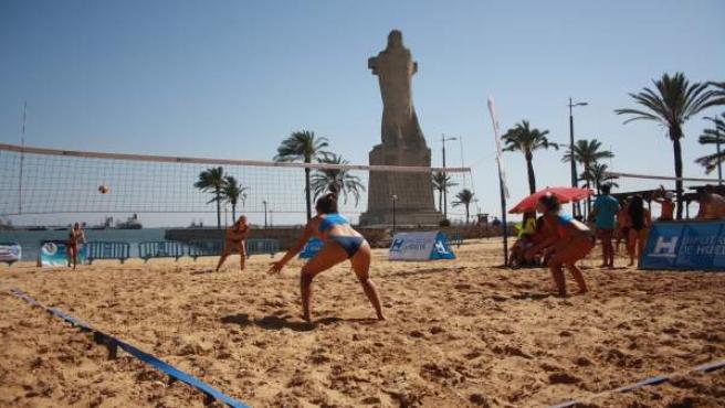 Isla Cristina pone el sábado el punto y final al circuito provincial de Voley playa de Diputación