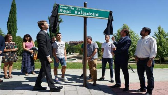 Valladolid.- Placa de la avenida del Real Valladolid