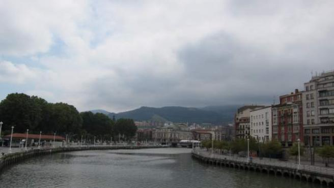 Imagen de Archivo. Nubes en Bilbao