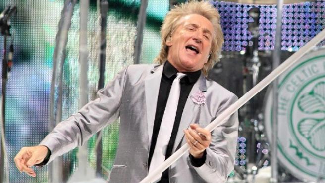 El cantante británico Rod Stewart en un concierto de diciembre de 2013.