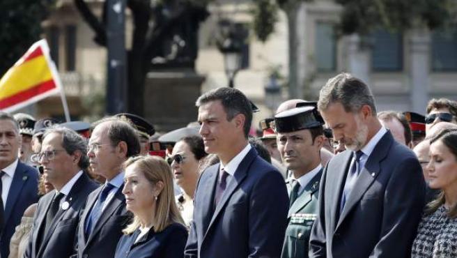 Torra, junto a Sánchez y Felipe VI en los actos del 17-A.