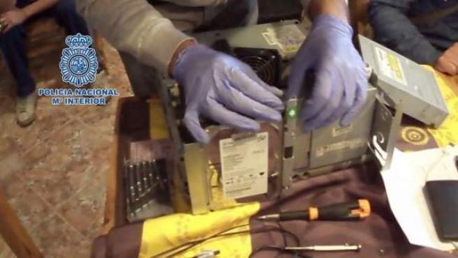 Imagen de archivo de una operación de la Policía Nacional contra la pornografía infantil.