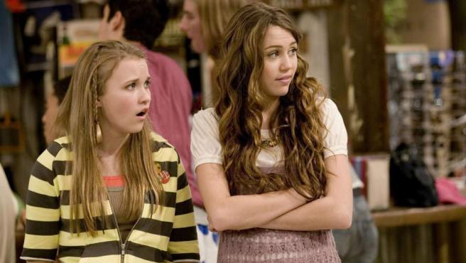 Cyrus, por interpretar al personaje que le dio la fama, cobraba 15.000 dólares por capítulo. 'Hannah Montana' tuvo cuatro temporadas y su propia película.