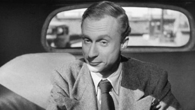 Este entrañable actor centenario (sigue trabajando a día de hoy, en la serie Fly) fue el villano de Sabotaje (1942) y otro de los pacientes psiquiátricos de Recuerda (1945).