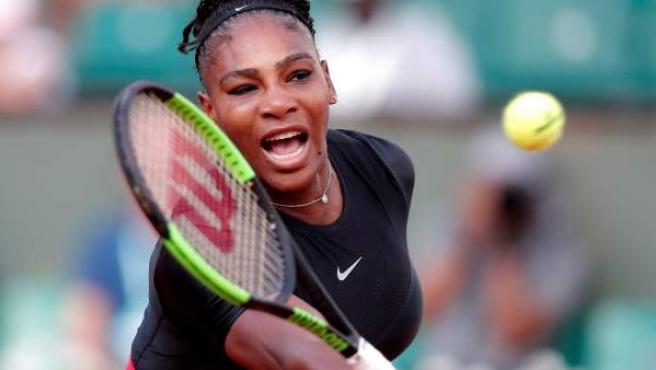 Serena Williams en un partido de Roland Garros.