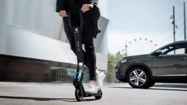Patinete eléctrico Peugeot e-Kick.